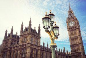 Чиновника из Британии уличили в незаконном продвижении ICO