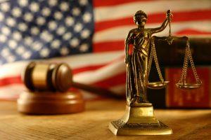 Американский суд выпустил хакера под залог в криптовалюте