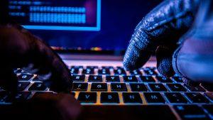 Исследование: криптобиржи и пользователи помогают хакерам